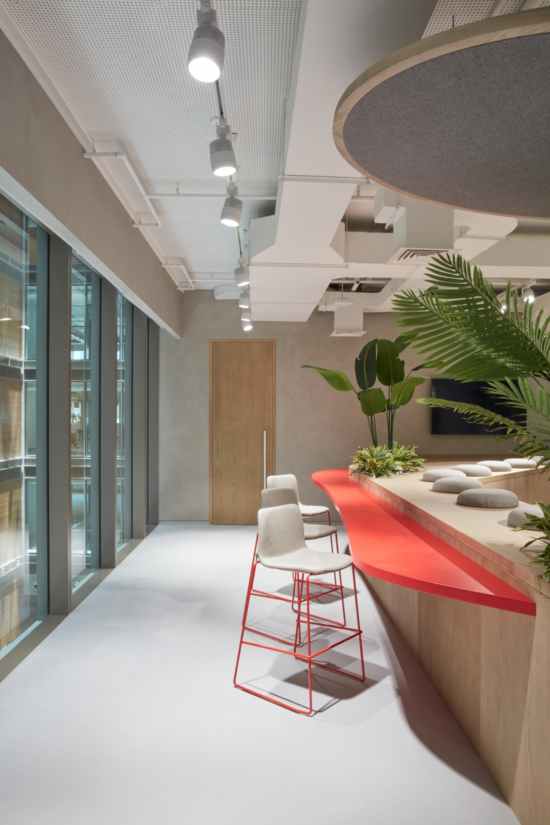 Roar Design Studio - Middle Eastern headquarters of leading Japanese pharmaceutical company Takeda, located in Dubai's pioneering business district, One Central.