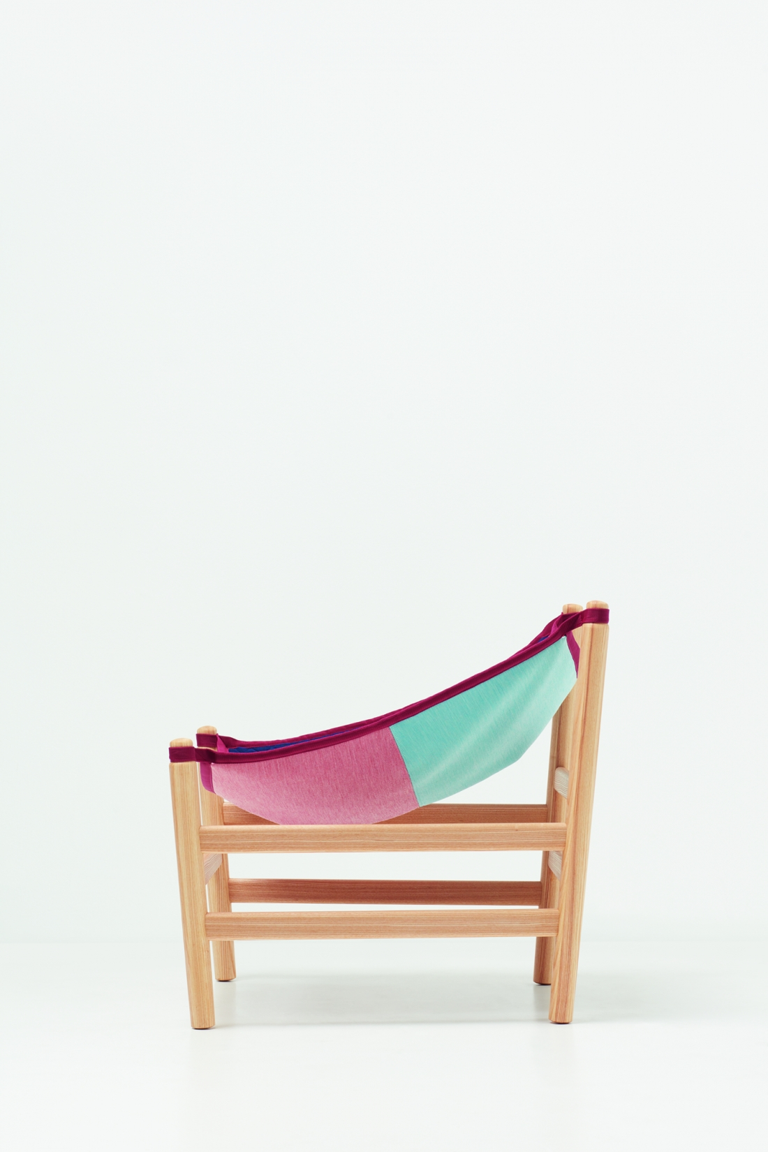 Knit Project - Wataru Kumano Hammock Chair 2020 Copyright Luke Evans