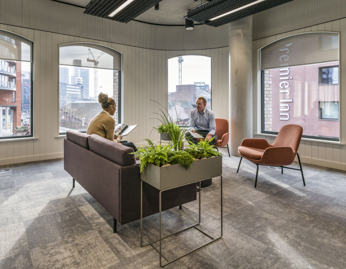 Live planting reflects the importance of biophilic design within the workplace.