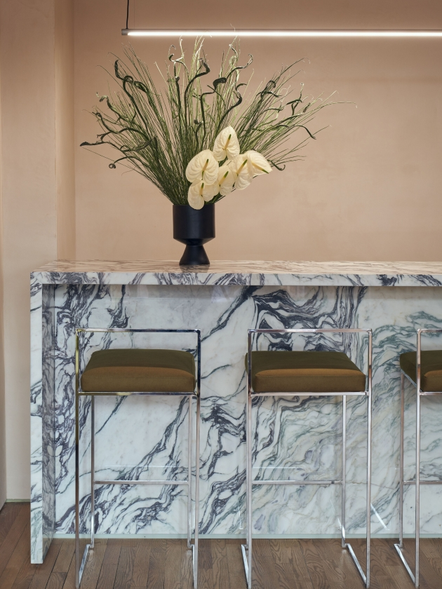 Fran Hickman designs tonal interiors for New York nail studio, Paintbox. Photography by Alice Gao.