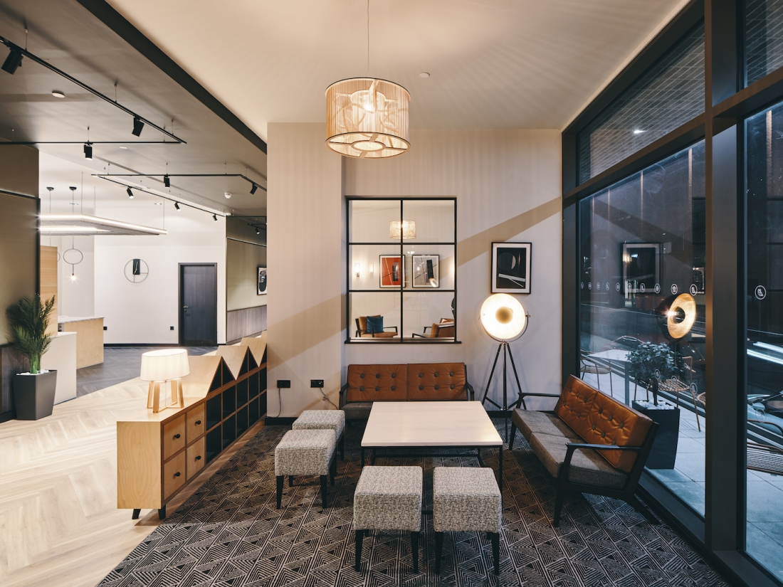 Symons House, Leeds - Second seating area in the library space. Photography by Gu Shi Yin