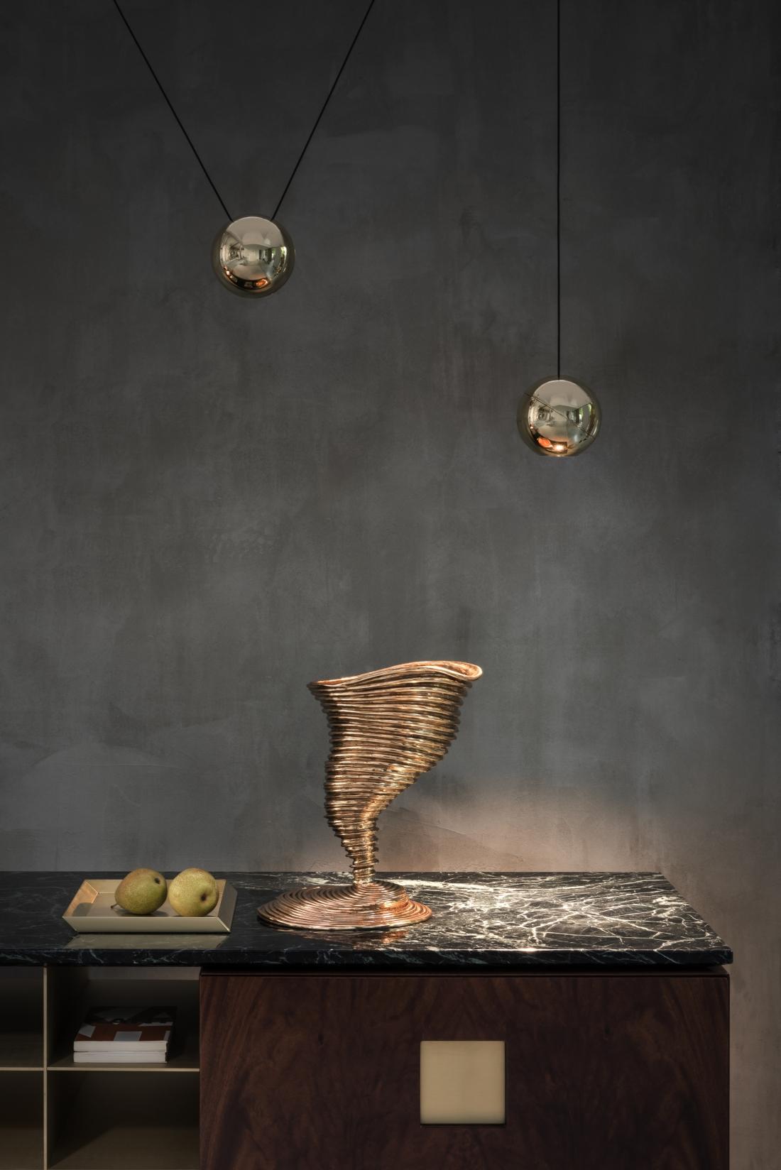 20 Sfere lamps Zuan cabinet_Tornado vase detail Fabrizio Bergamo