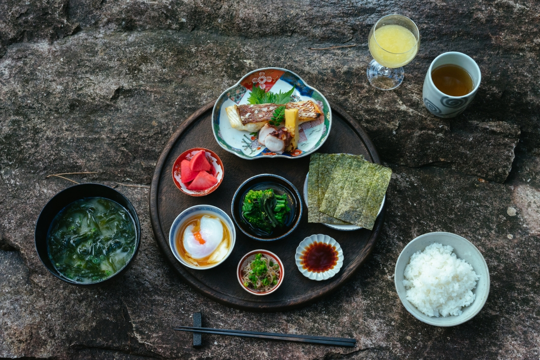 zumi Setoda food offering © Max Houtzager