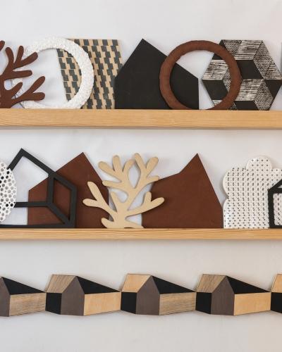 Alison Milner, Handmade Ceramic Tiles, a, 2020. Photo © Steve Speller, courtesy Yorkshire Sculpture Park.