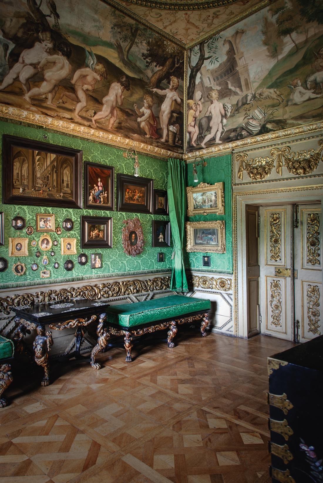 Ham House. The Green Closet. The decoration and contents of this room are original although the green silk damask has been copied recently. It is a rare example of the high culture, in both the fine and decorative arts, of the English court before the Commonwealth. Courtesy © Derry Moore | Prestel