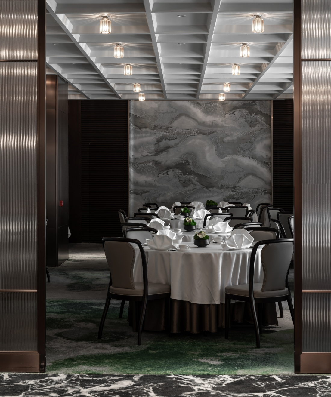 In-between Architects - The Canton Room - Hong Kong.