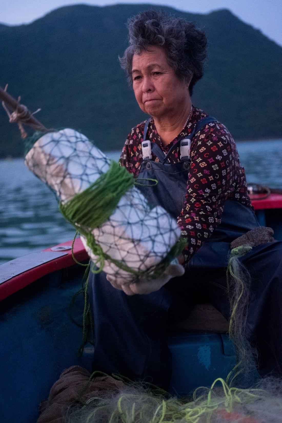 Image - Tai O Light - Fishinglady - Studio Florian Christine